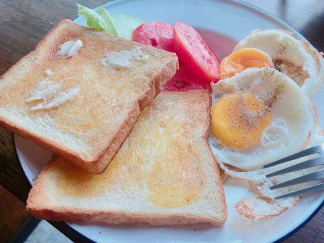 ホステル朝食