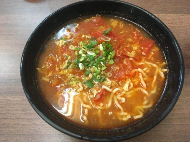 蕃茄雞蛋麺