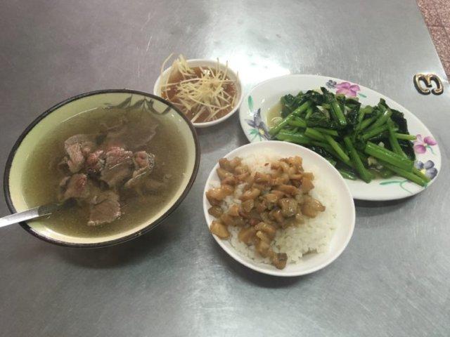 石精臼羊肉湯&家常小炒